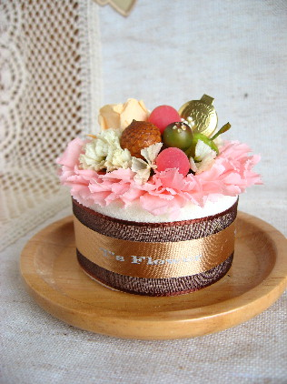 カーネーションのミニケーキ・re.jpg