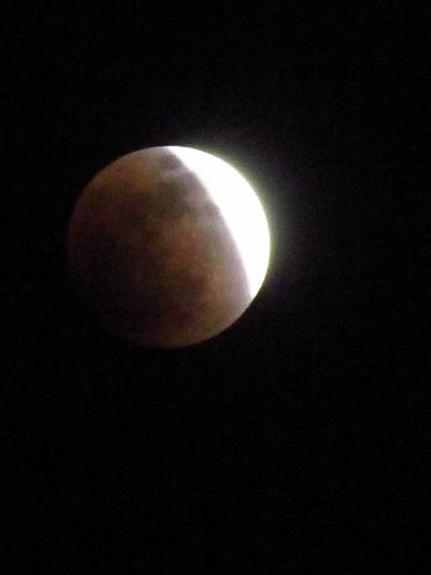 月食21:37.jpg
